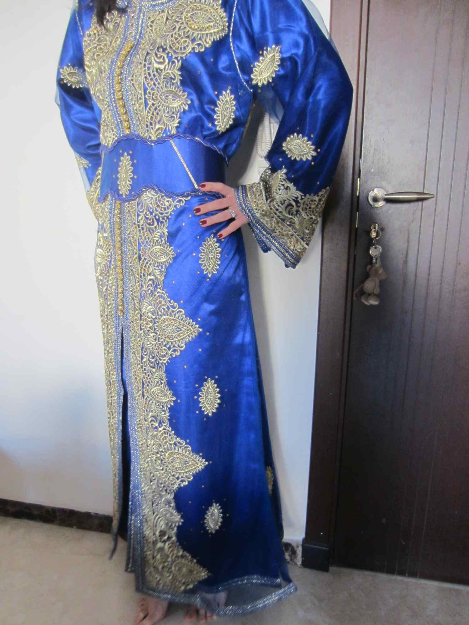 Ce poarta femeile elegante in Maroc ? Haine traditionale.