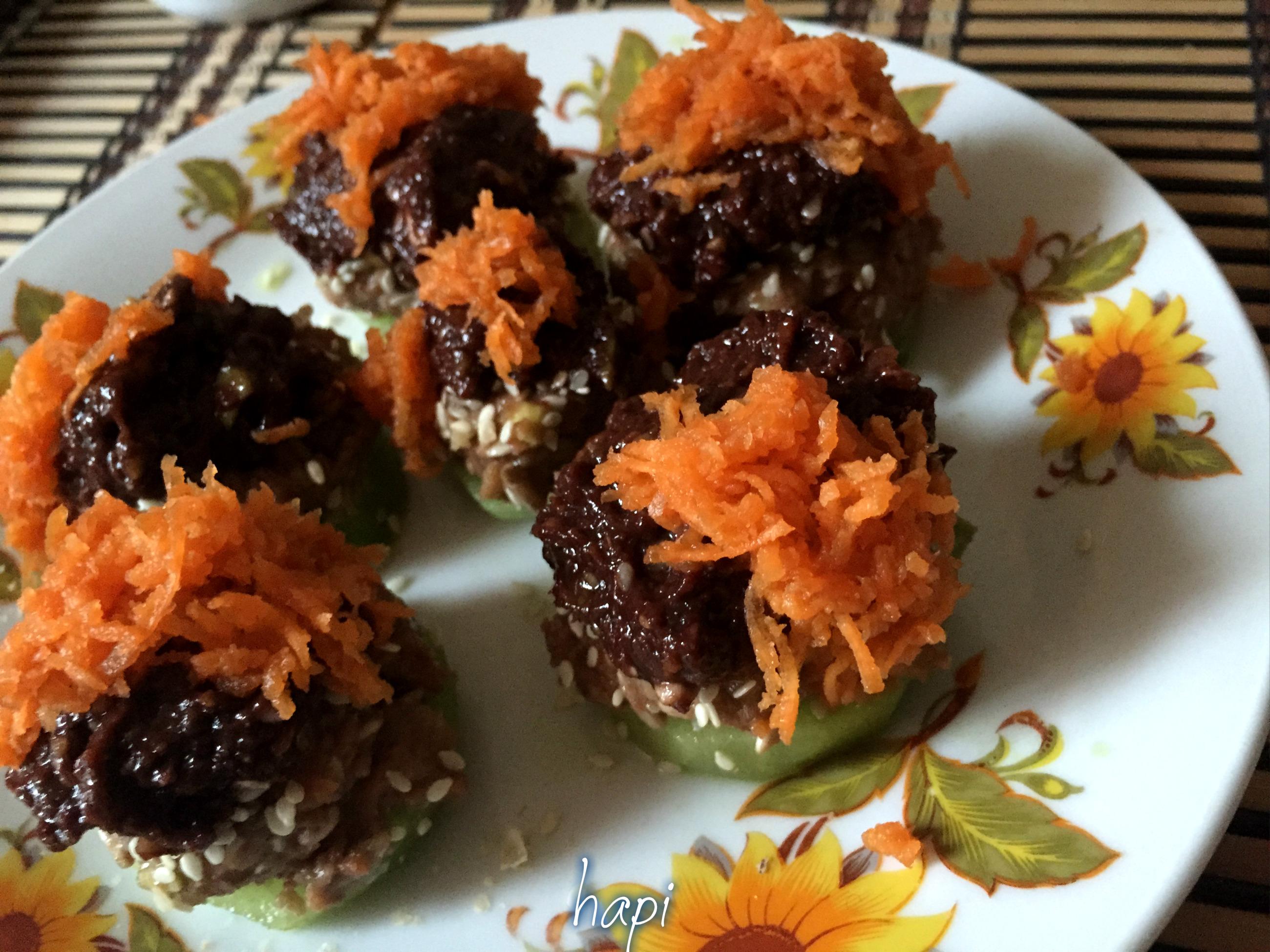 Gustare raw vegană dulce acrișoară, rapidă și nutritivă