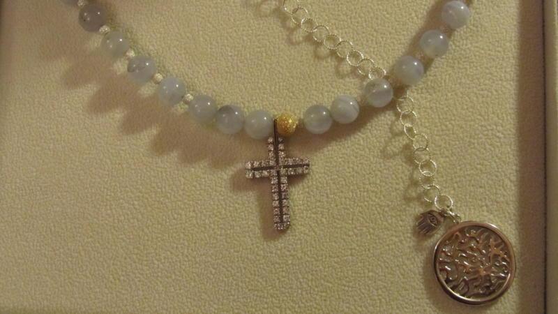 Kabbalah și bijuteriile grozave ale creatoarei israeliene Thea Haimovitz – lansare Cluj