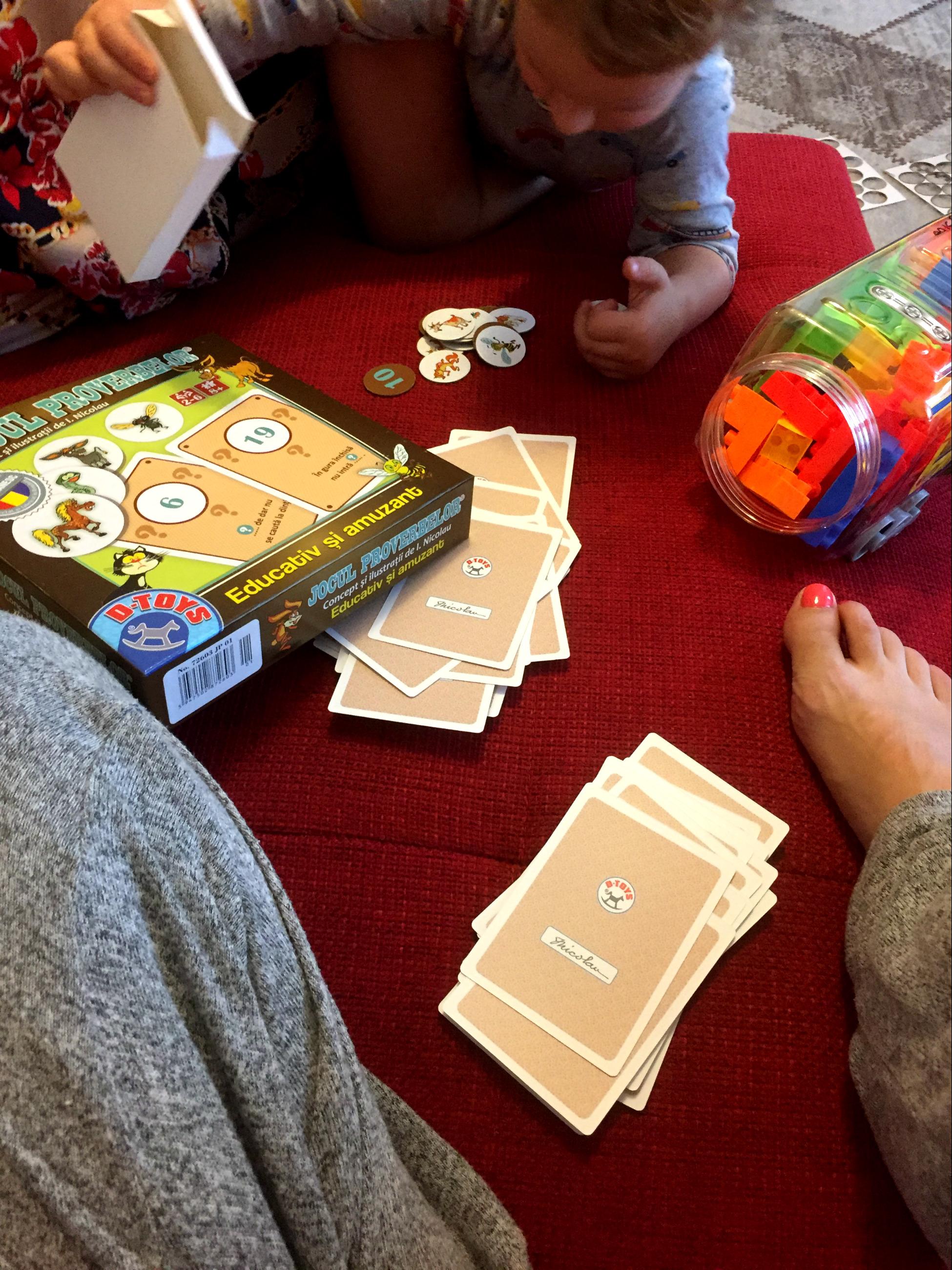 Jocuri în casă, timp de calitate cu copilul de 2-3 ani care se plictisește repede